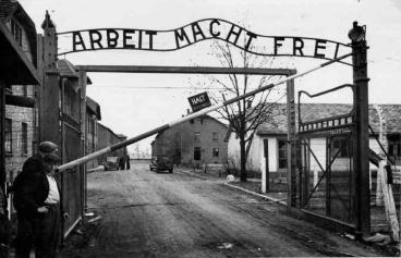 Image online, courtesy U.S. Holocaust Memorial Museum.